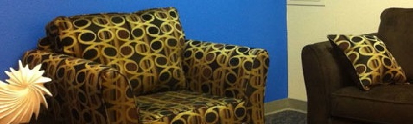 cropped-couch_h.jpg